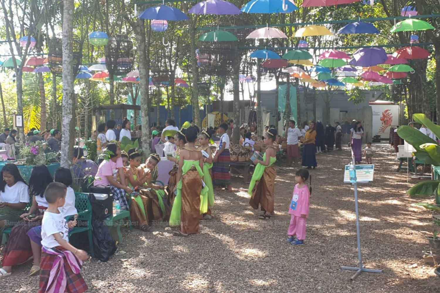 The rubber forest area of the Life Community Museum in Bung Kan's So Phisai district welcomes visitors from across the country to visit a community market where villagers come to trade. The area is used for hosting lunch and dinner parties and performances.  Anucha Charoenpo