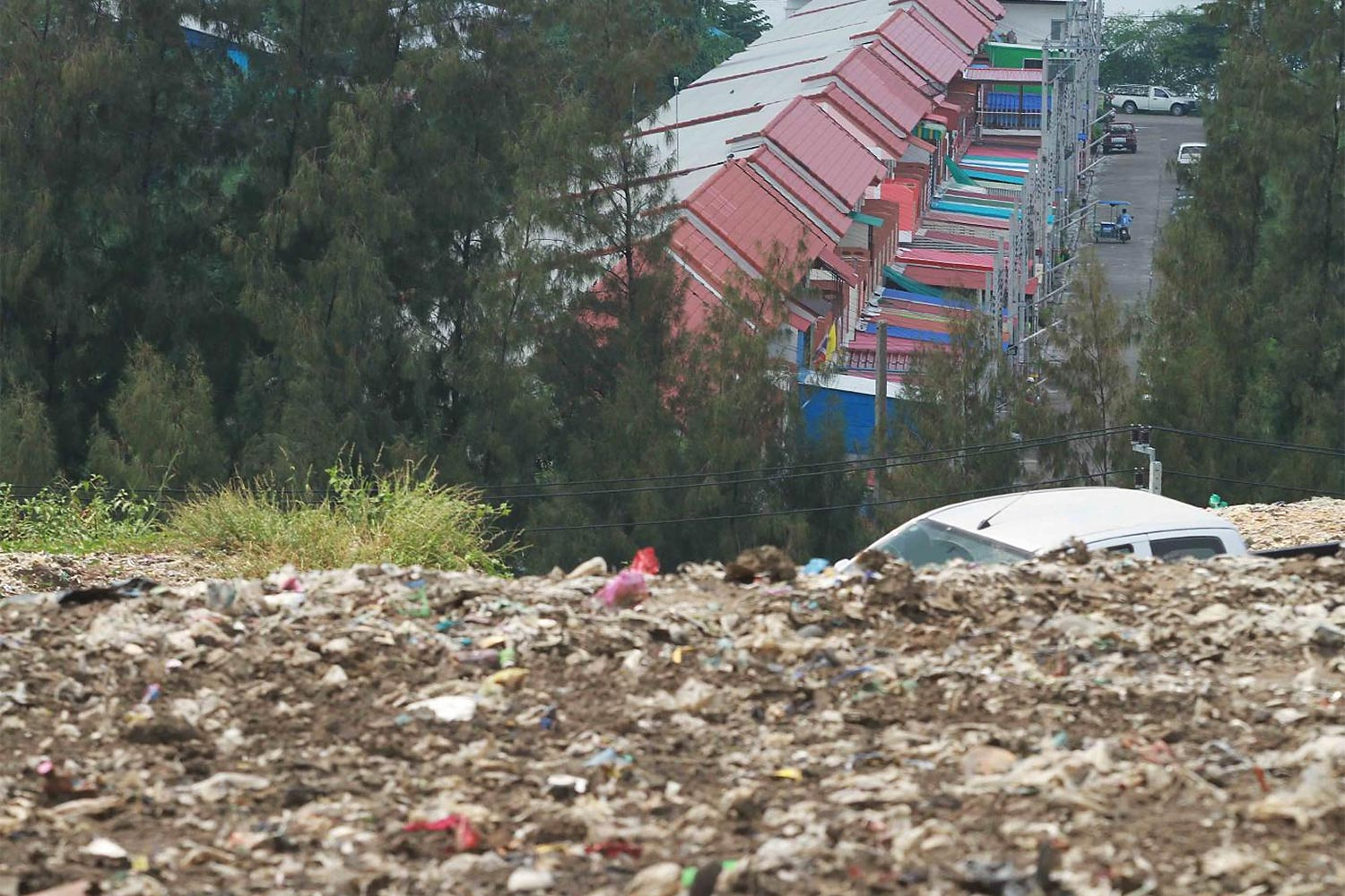 A landfill in Praeksa subdistrict in Samut Prakan's Muang district clearly indicates the ongoing waste management problems.