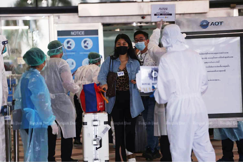 Chinese tourists arrive at Suvarnabhumi airport in Samut Prakan province in October.(Photo: Varuth Hirunyatheb)