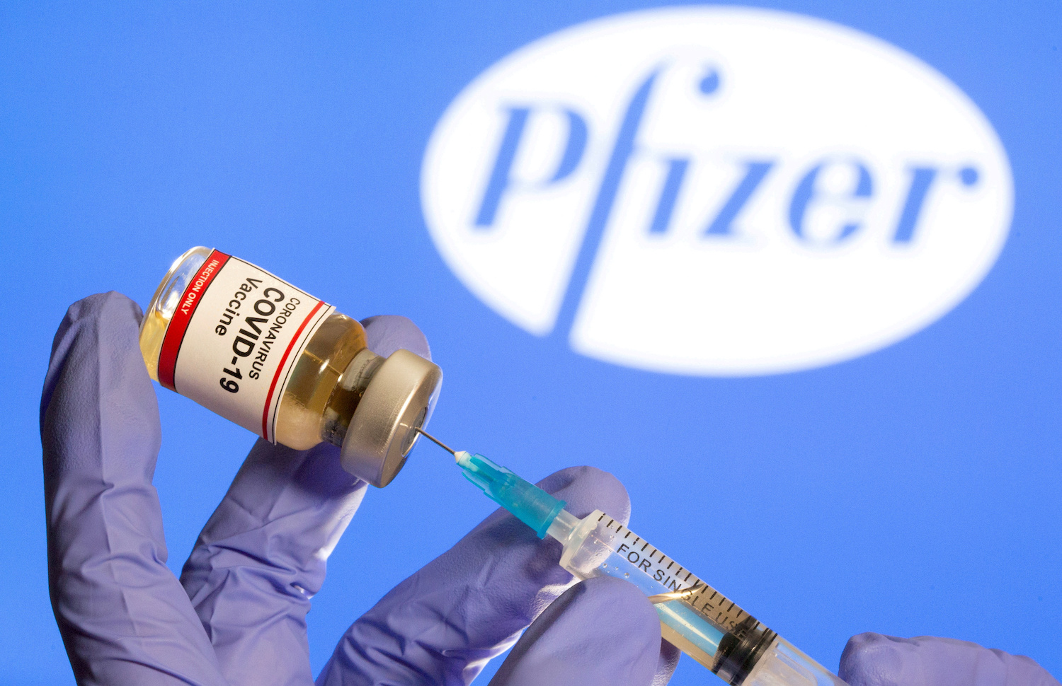 US  approves Moderna's COVID-19 vaccine for emergency use