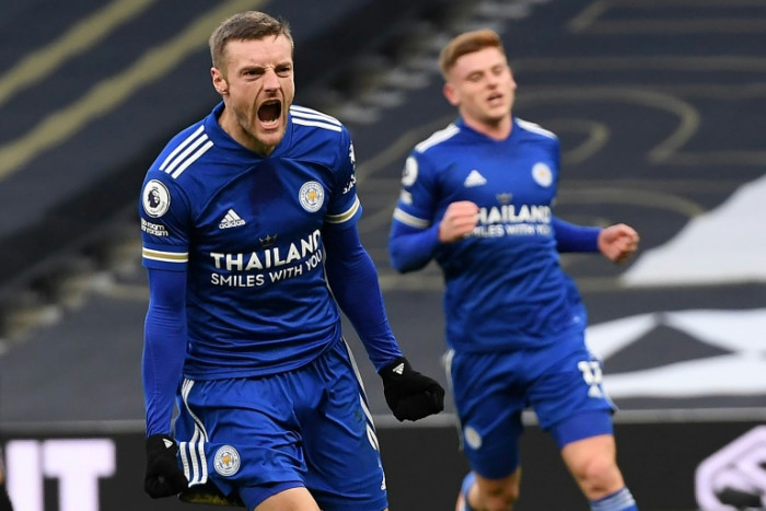 Leicester deal blow to Spurs' title hopes