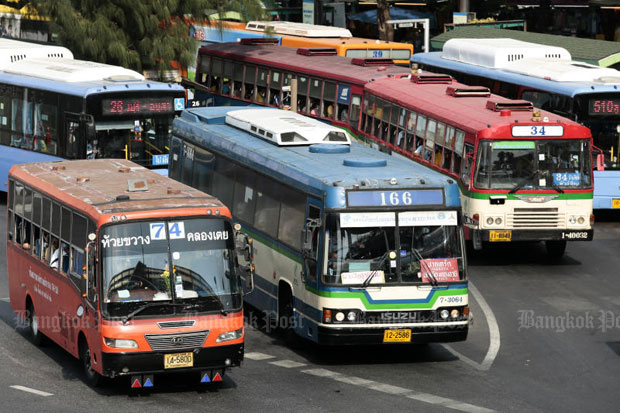 Bus services in Bangkok is expected to be reduced from Sunday after passenger numbers dwindled amid the resurgence of Covid-19. (Bangkok Post photo)