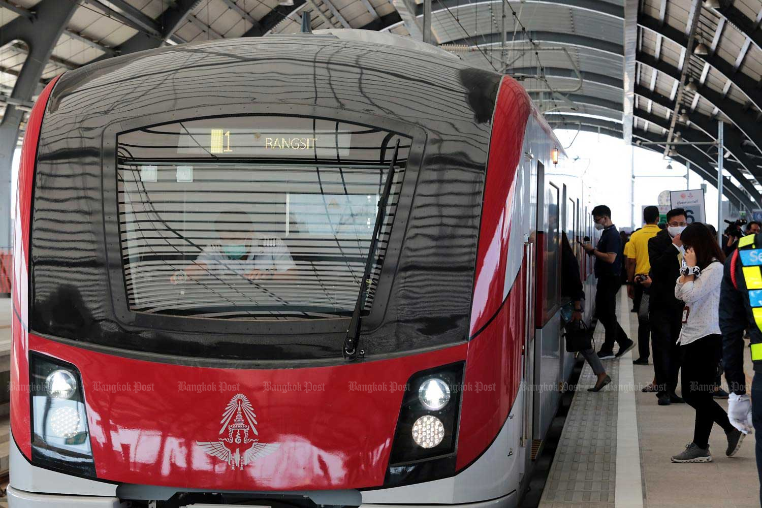The State Railway of Thailand (SRT) conducts a test ride of the Red Line's Bang Sue-Rangsit section from Bang Sue Grand station to Rangsit station. The SRT said both facilities are scheduled to open to the public this year.(Photo by Chanat Katanyu)
