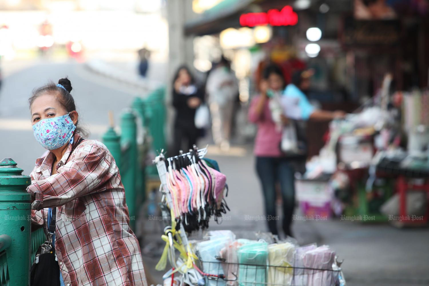 Local vendors have been severely affected by the decline in tourists and shoppers.(Photo by Apichart Jinakul)