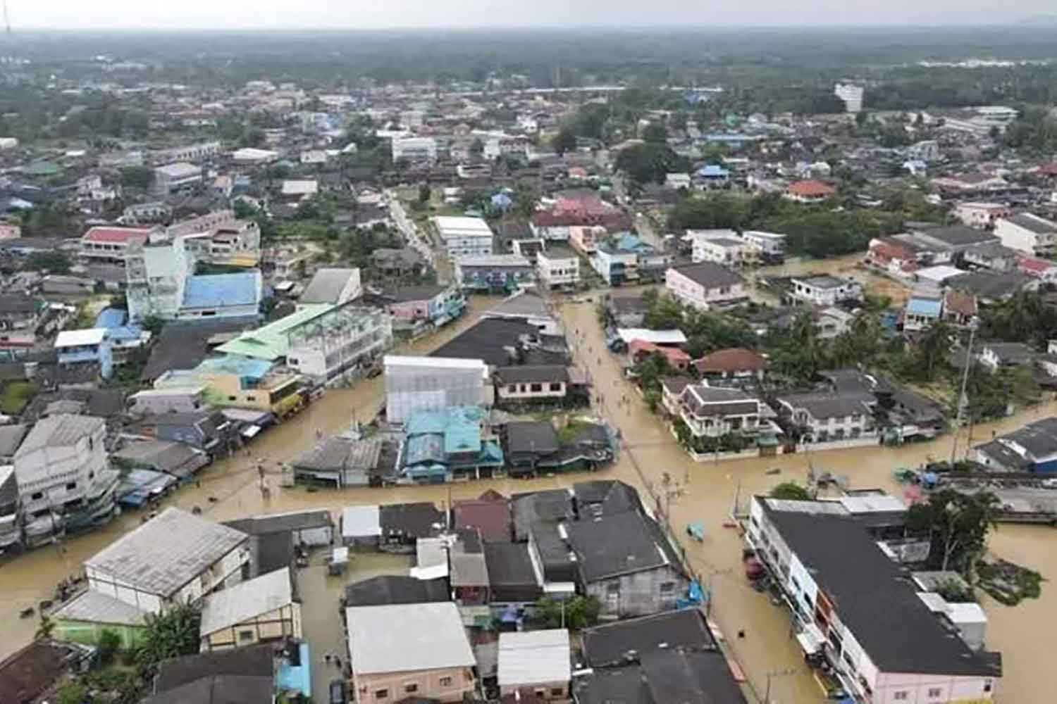 Downtown Pattani is flooded on Monday. ABDULLAH BENJAKAT