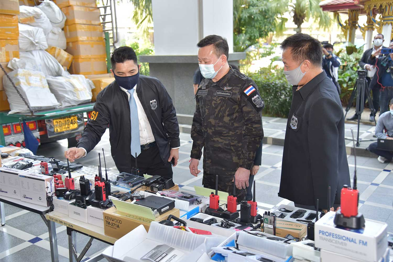 Fake two-way radios part of B50m haul