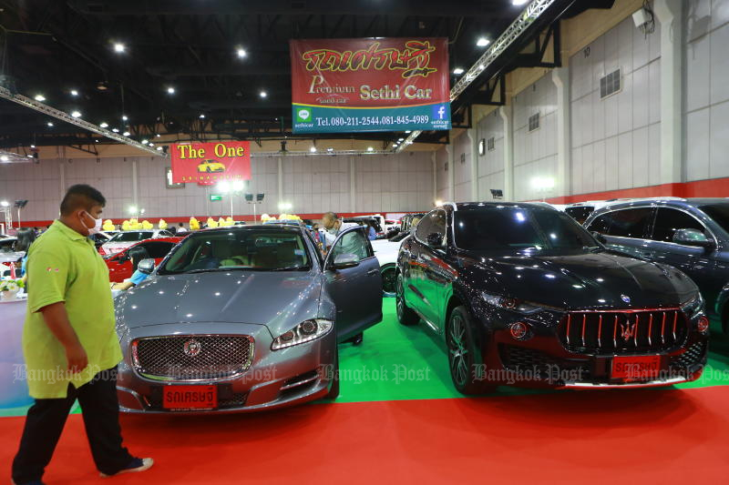 Domestic car sales seen falling 5.3% this year