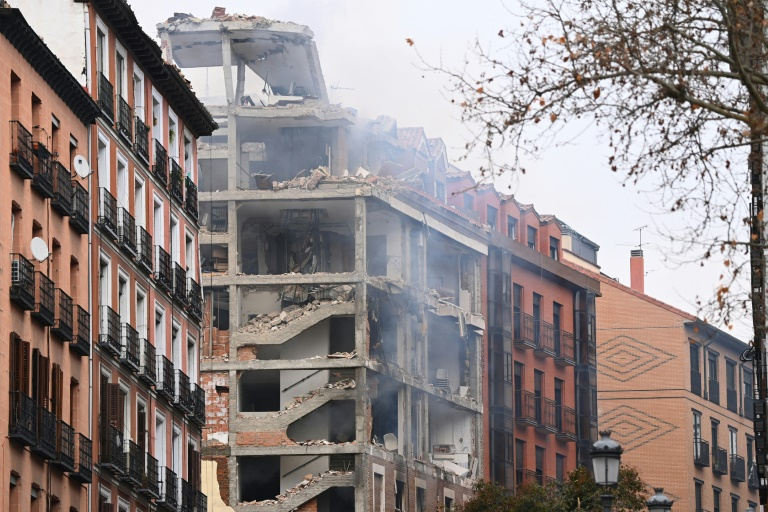 At least two killed in Madrid city centre explosion