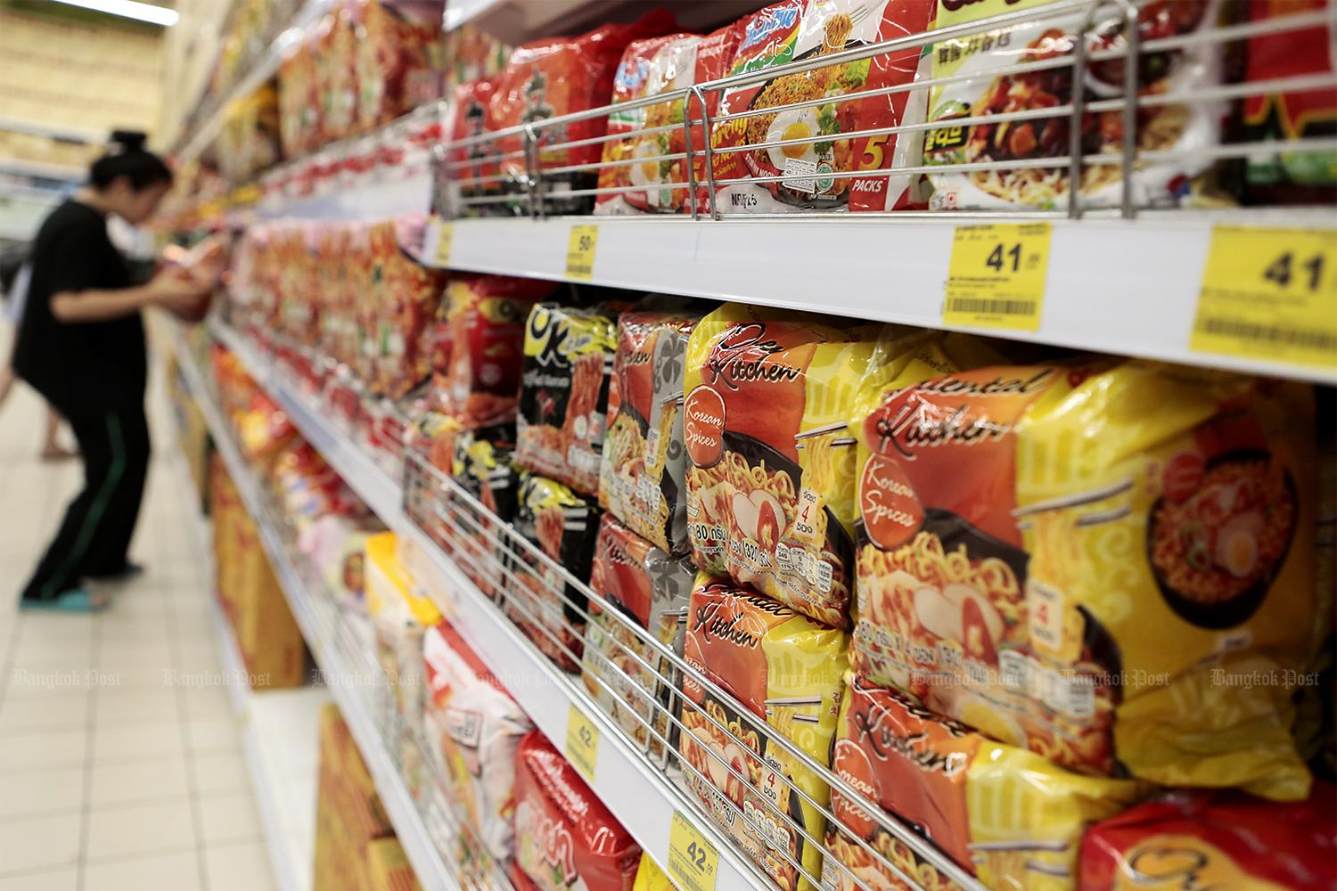 Instant noodles and a wide range of consumer products could be affected by an anti-dumping tariff on imported BOPP film.(Photo by Patipat Janthong)