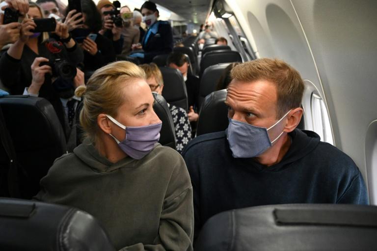 Russian Federation detains allies of Kremlin foe Navalny in protest warning