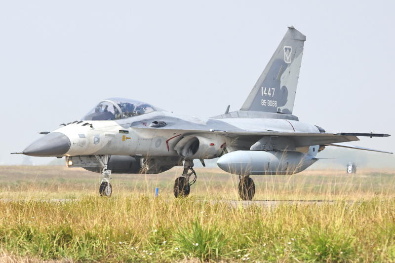 Taiwan air force flexes muscles after latest Chinese incursion