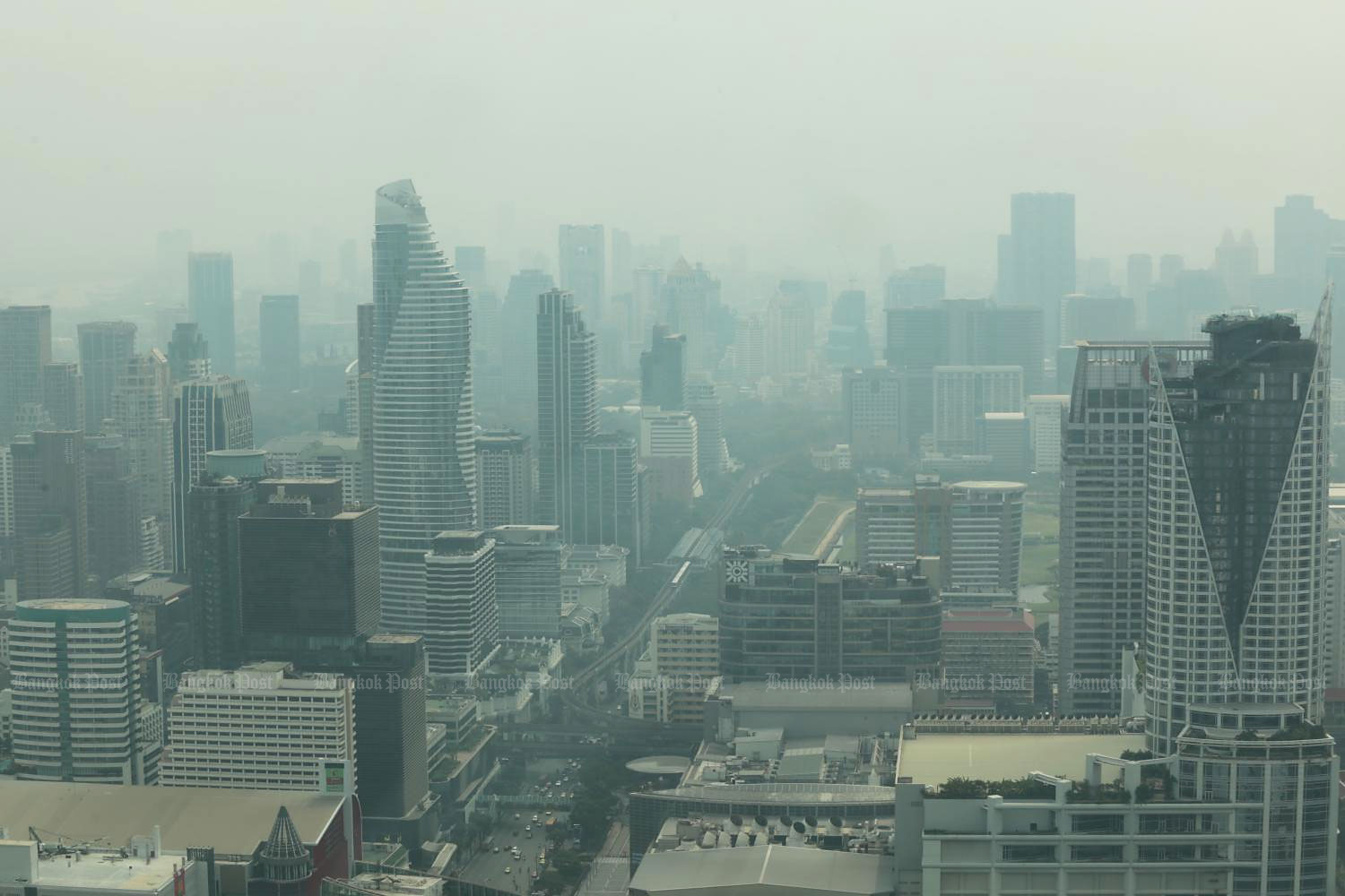 A hazy day in Bangkok as the skyline is blanketed with PM2.5 dust particles.(Photo by Chanat Katanyu)