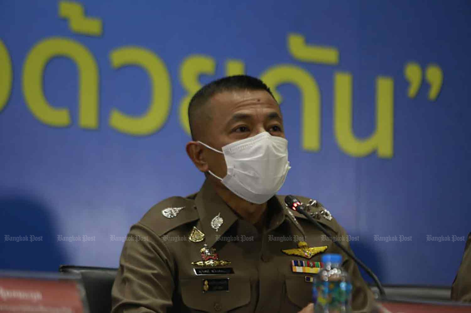 National police chief Pol Gen Suwat Jangyodsuk announces legal action against suspected embezzlers in the We Travel Together tourism subsidy scheme, at the Royal Thai Police Office in Bangkok on Wednesday. (Photo by Arnun Chonmahatrakool)