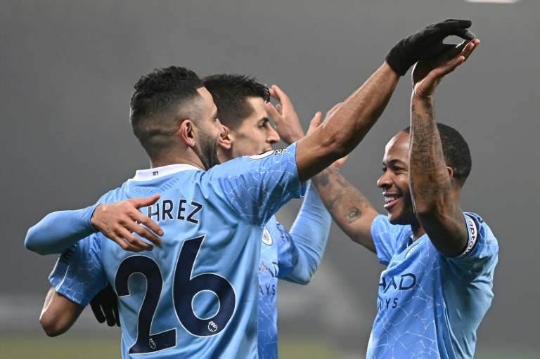 Manchester City maintain momentum as Gabriel Jesus sees off Sheffield United