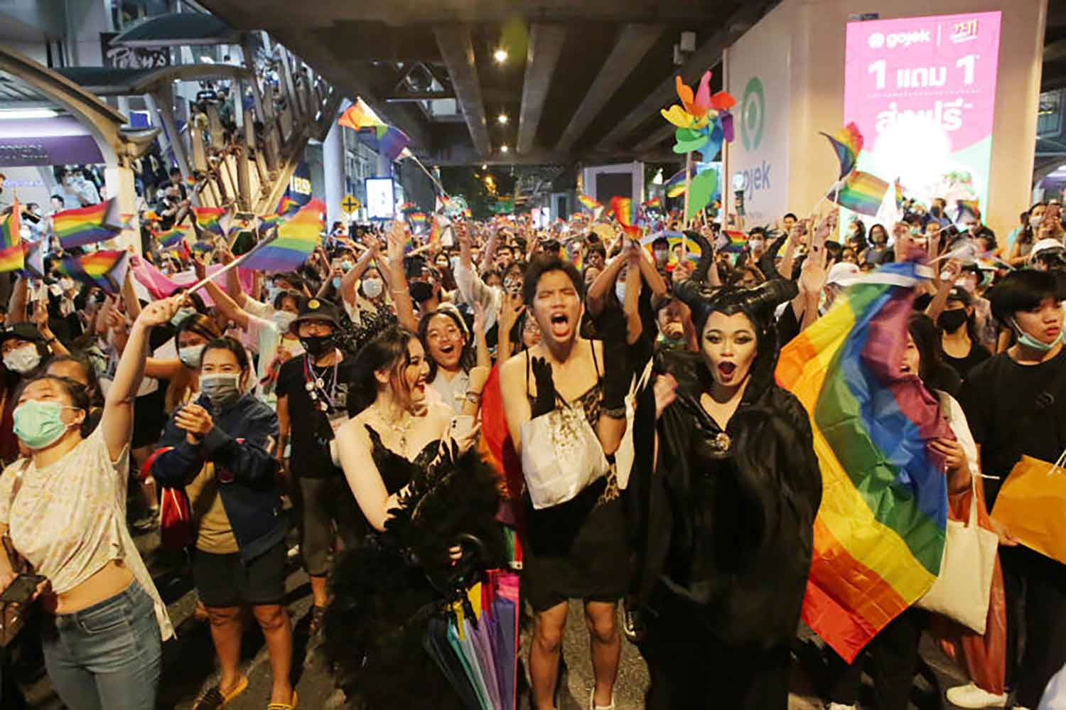 A file photo shows a Pride Parade in the Silom area of Bangkok on Nov 7 last year. (Photo: by Apichit Jinakul)