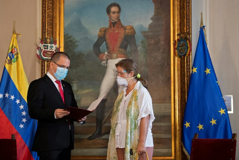 Venezuela's Foreign Minister presented EU Ambassador Isabel Brilhante Pedrosa with a letter declaring her 'persona non grata' and giving her 72 hours to leave the country