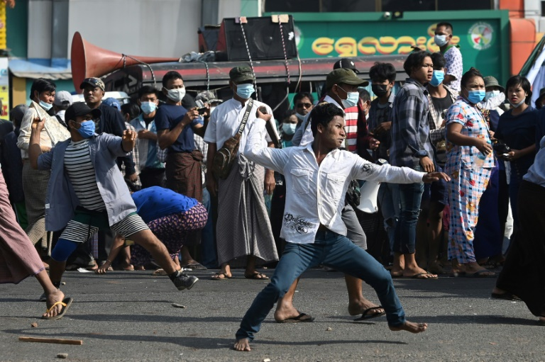 Clashes in Rangoon as tensions rise over Myanmar coup