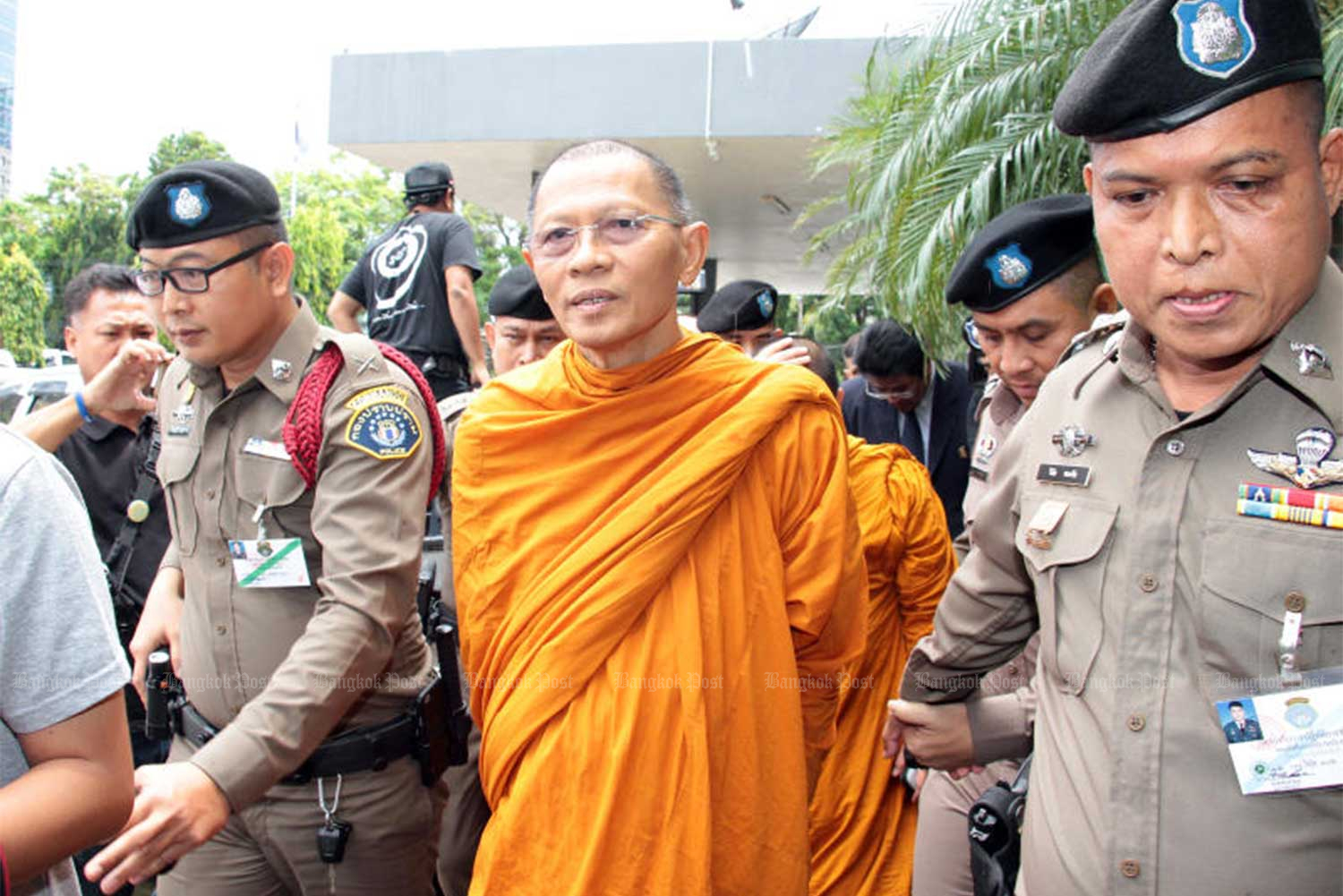 Former Phra Phrom Dilok, then the abbot of Wat Sam Phraya, is arrested at the temple in Phra Nakhon district, Bangkok, on May 24, 2018. (File photo)