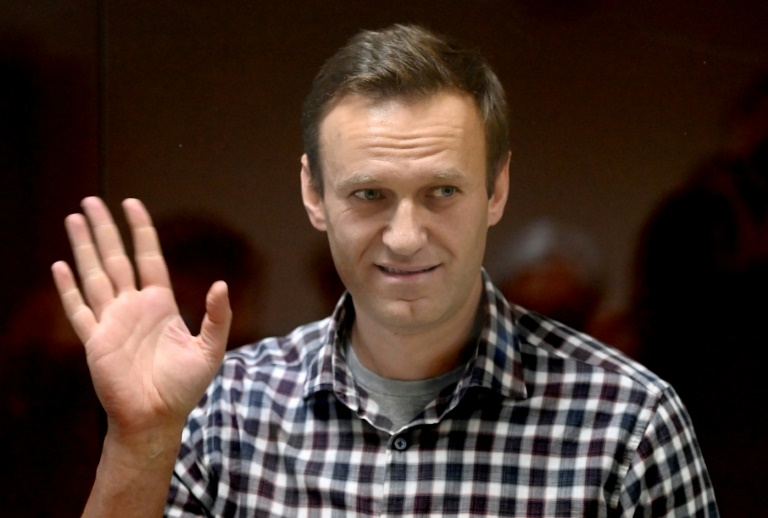 US says Russia poisoned Navalny, imposes sanctions