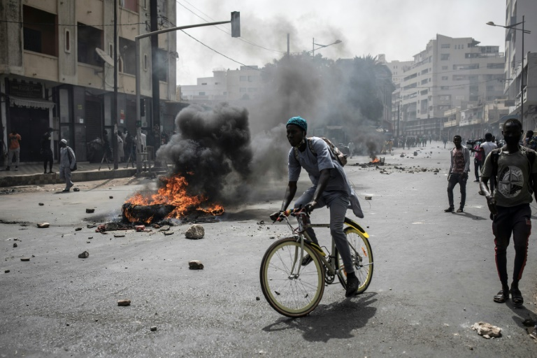 Fresh clashes in Senegal capital after opposition leader held