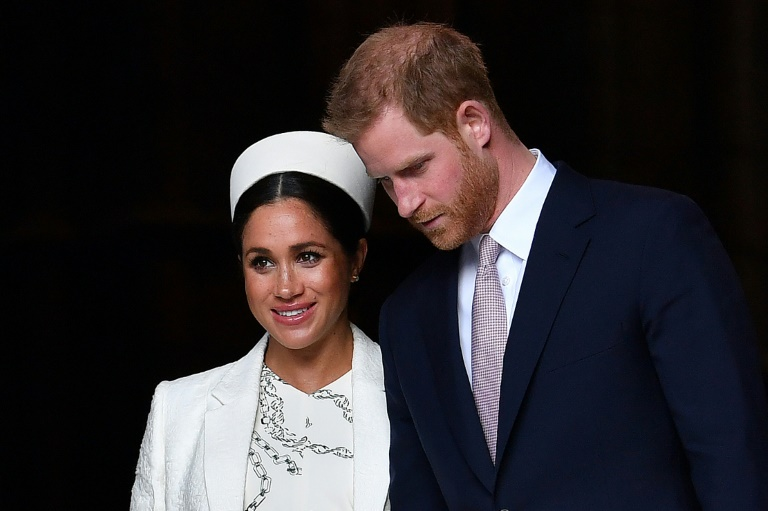 Amid transatlantic feud, zero hour for Harry, Meghan interview