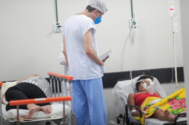 Covid-19 patients are cared for in an area that was improvised to accommodate more patients at the public HRAN Hospital in Brasilia, Brazil, on Monday. (Reuters photo)