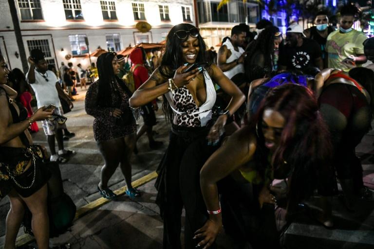 Miami Beach Imposes Curfew on Spring Break Crowds