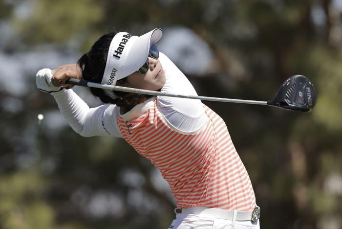 Patty Tavatanakit maintains lead at LPGA event