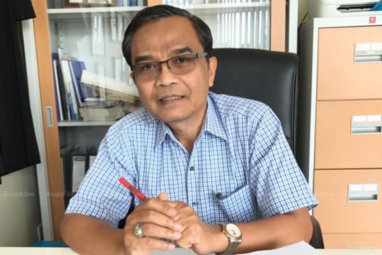 Former MP Nipit Intarasombat has resigned as deputy leader of the Democrat Party. (file photo)