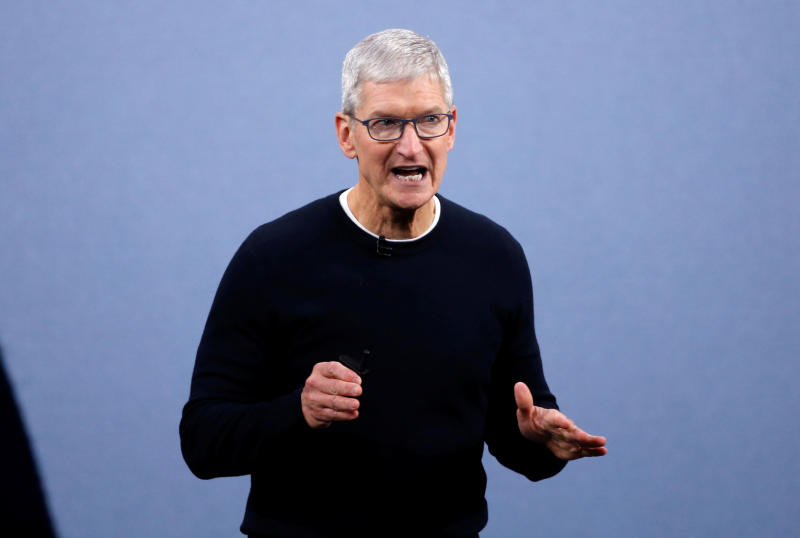 Apple chief talks of self-driving cars