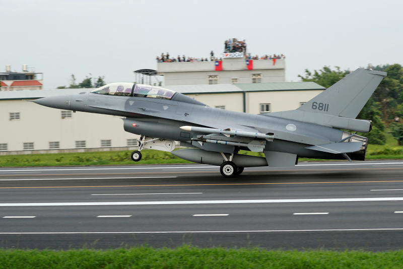 FILE PHOTO: A Republic of China Air Force (ROCAF) F-16V fighter jet lands on a highway used as an emergency runway during the Han Kuang military exercise simulating the China's People's Liberation Army (PLA) invading the island, in Changhua, Taiwan May 28, 2019. (Reuters)