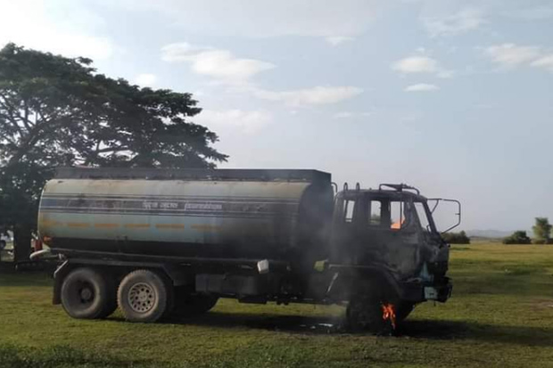 Road construction vehicles set on fire in Pattani