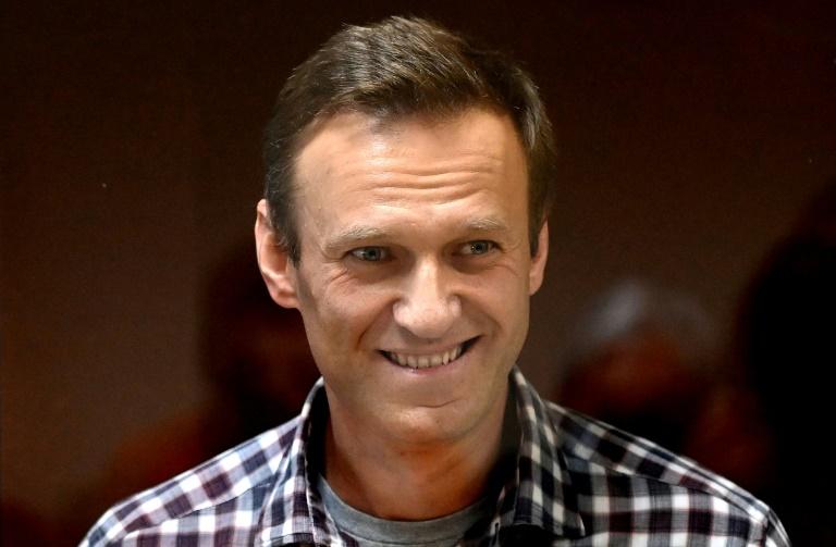 Kremlin critic Navalny could 'die any minute': doctors