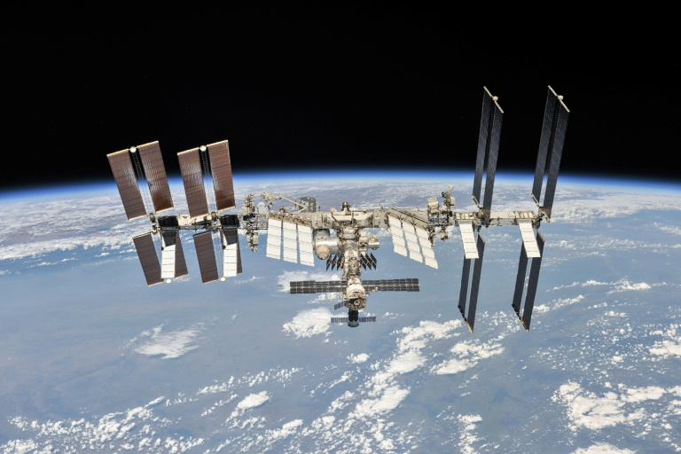 Science without gravity aboard the International Space Station