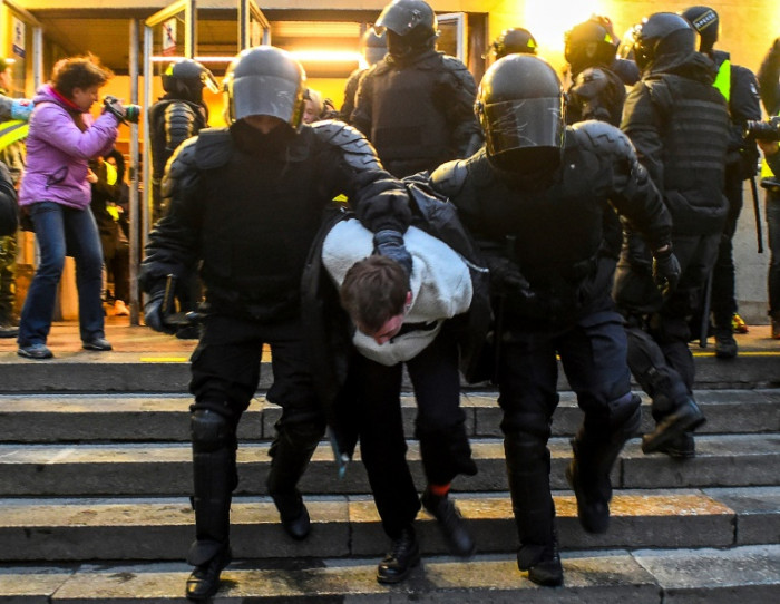 Lebih dari 1.700 ditahan di demonstrasi pro-Navalny di seluruh Rusia