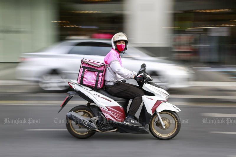 Online food delivery operators have seen a substantial growth of orders during the third wave of the pandemic. (Photo by Arnun Chonmahatrakool)