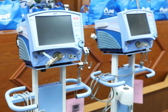 PTT donates ventilators to aid fight against Covid-19