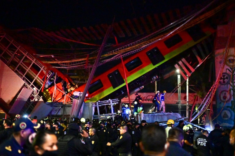 The Mexico City elevated metro line collapsed as a train was passing. (AFP photo)