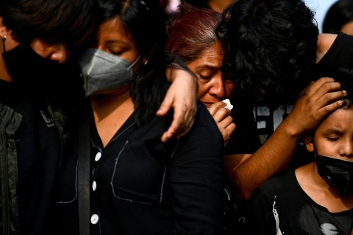 Relatives of Mexico metro crash victims demand justice