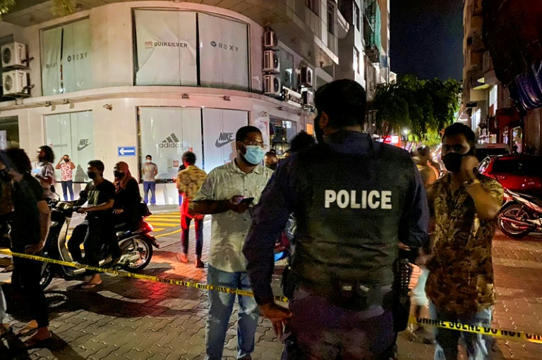 Former Maldives president wounded in 'assassination attempt'