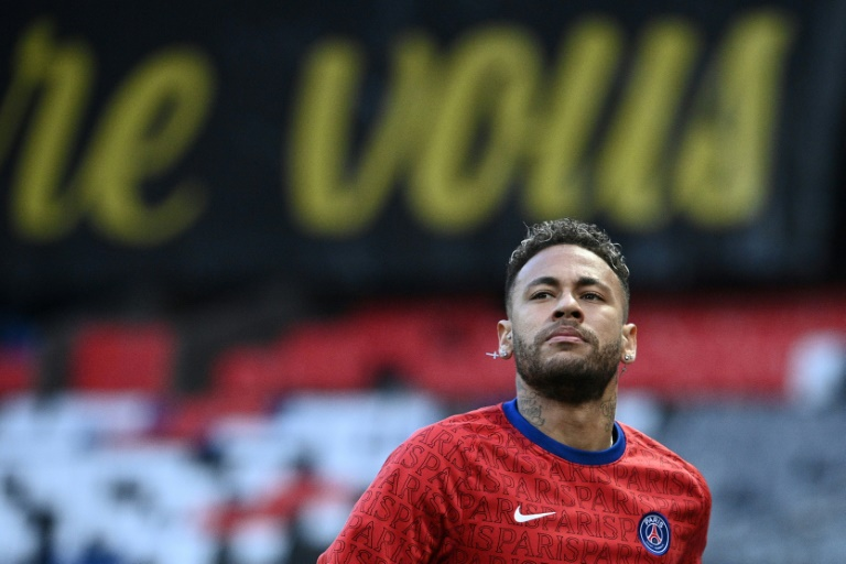 Neymar extends PSG contract to 2025