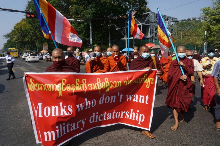 Some monks have this year defied religious edicts against political activity. (AFP photo)