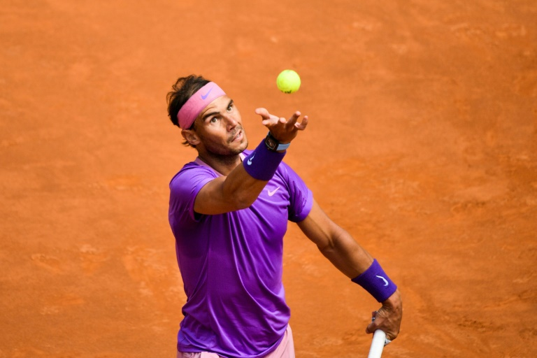 Ex-Rome winners Nadal, Djokovic, Zverev through to last eight as fans return