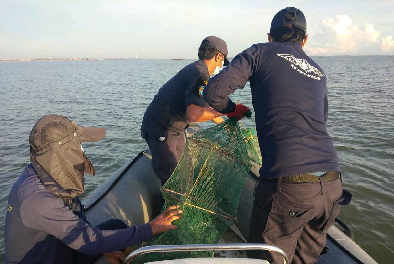 84 illegal fishing traps seized in Pattani