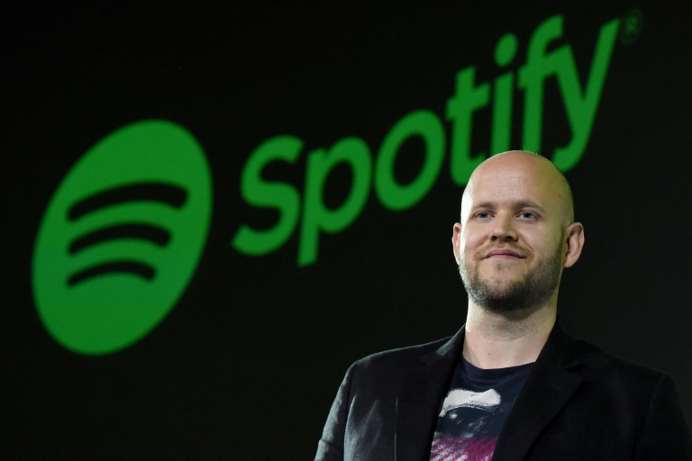 Spotify boss says bid for Arsenal rejected, remains 'interested'