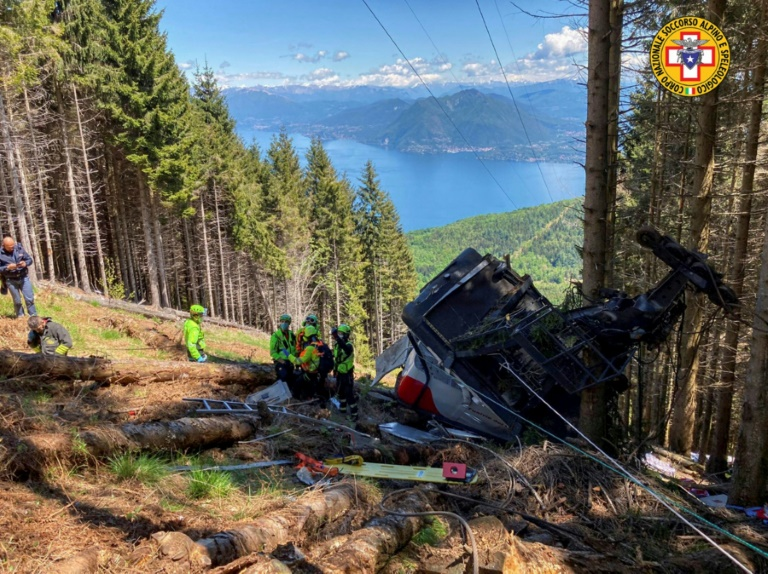 Italy cable vehicle  crash probed as child fights for life