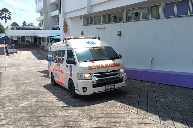 An ambulance takes the body of Ukrainian ambassador Andrii Beshta from Koh Lipe to Satun Hospital on Sunday. It was later transferred to Police General Hospital in Bangkok. (Photo: Satun public relations office)