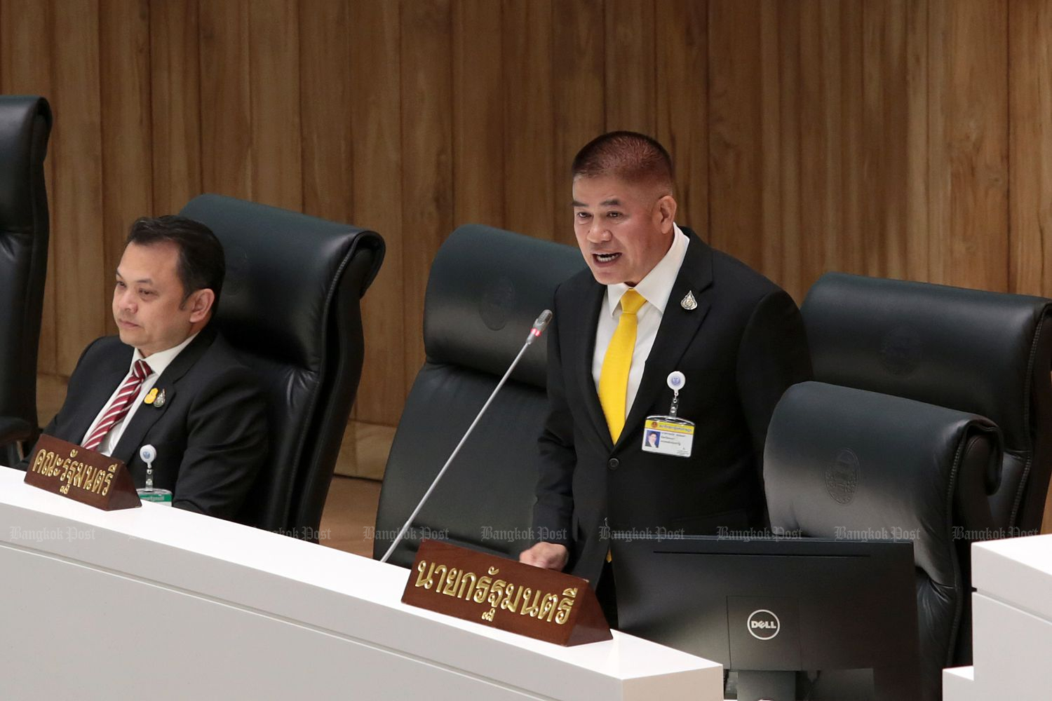 In this photo taken on Sept 11, 2019, Capt Thamanat, deputy agriculture minister and  Palang Pracharath MP for Phayao province, speaks in Parliament. (Bangkok Post file photo)