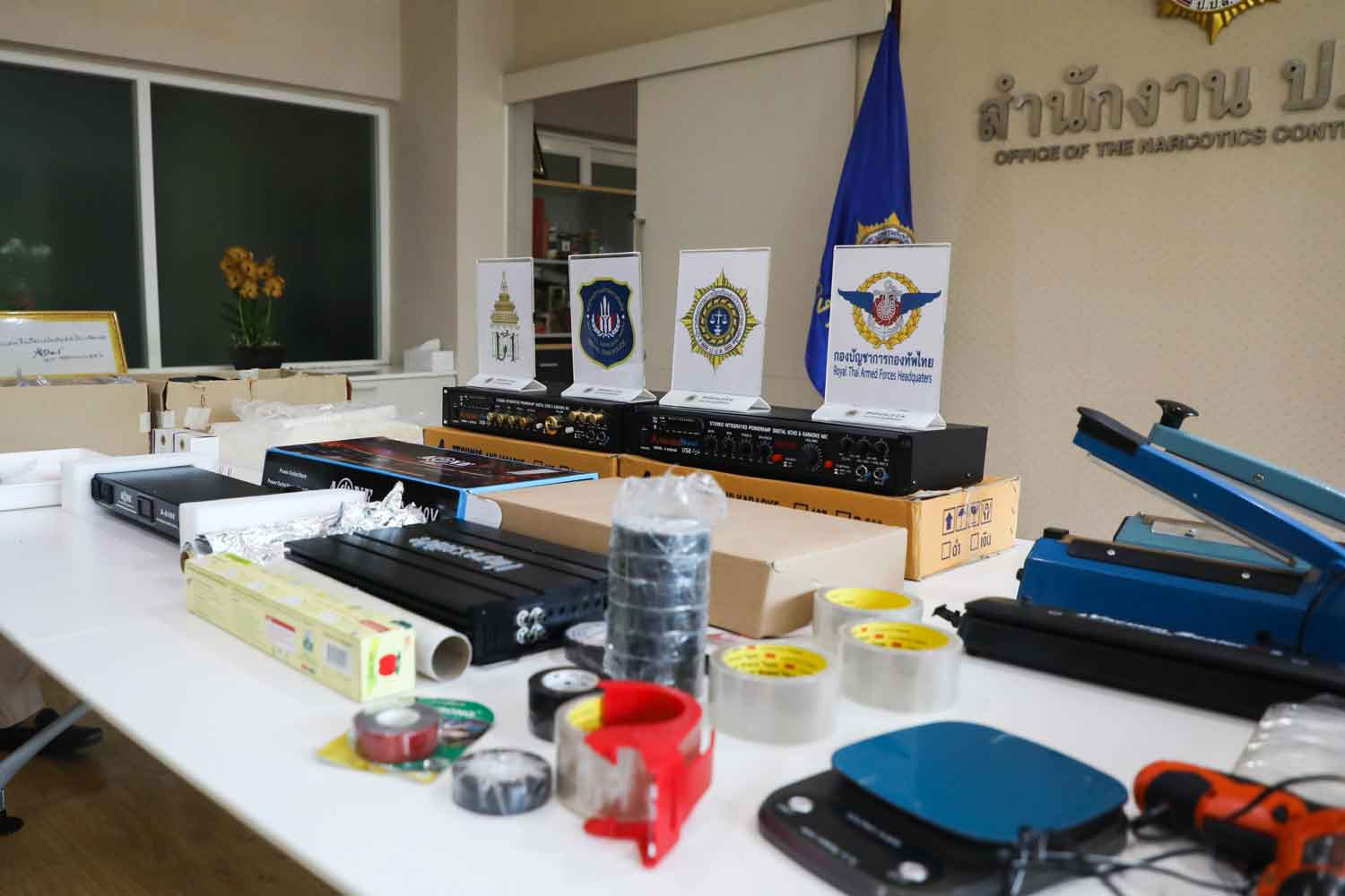 Officials show amplifiers and packaging tools seized from Singaporean drug suspect Teo Zhi Jiz, 27, at the Office of the Narcotics Control Board on Thursday. (Photo supplied)