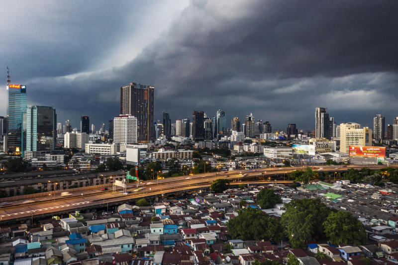 Storm clouds blanket Bangkok and its largest slum, Klong Toey, on May 8, 2021. (New York Times photos)